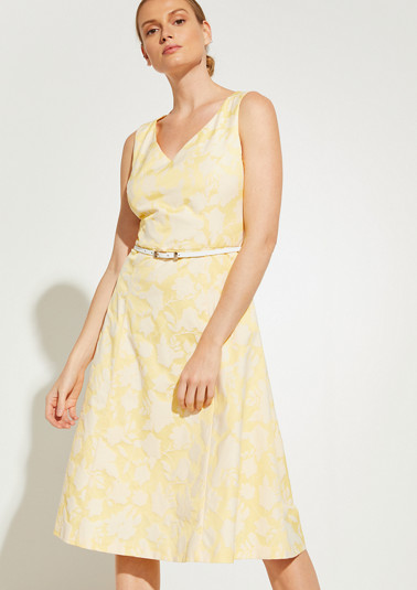 Jacquard-Kleid mit schmalem Gürtel