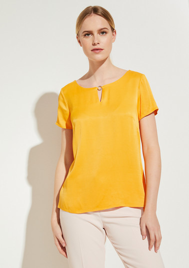 Short sleeve blouse made of satin from comma
