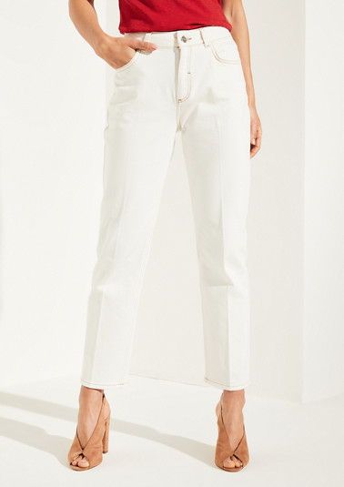Pale jeans with pressed pleats from comma