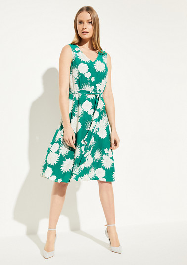Viscose dress with a floral pattern from comma