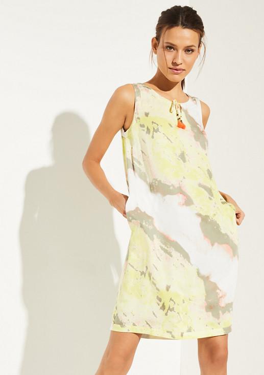 Kleid mit dekorativen Quasten