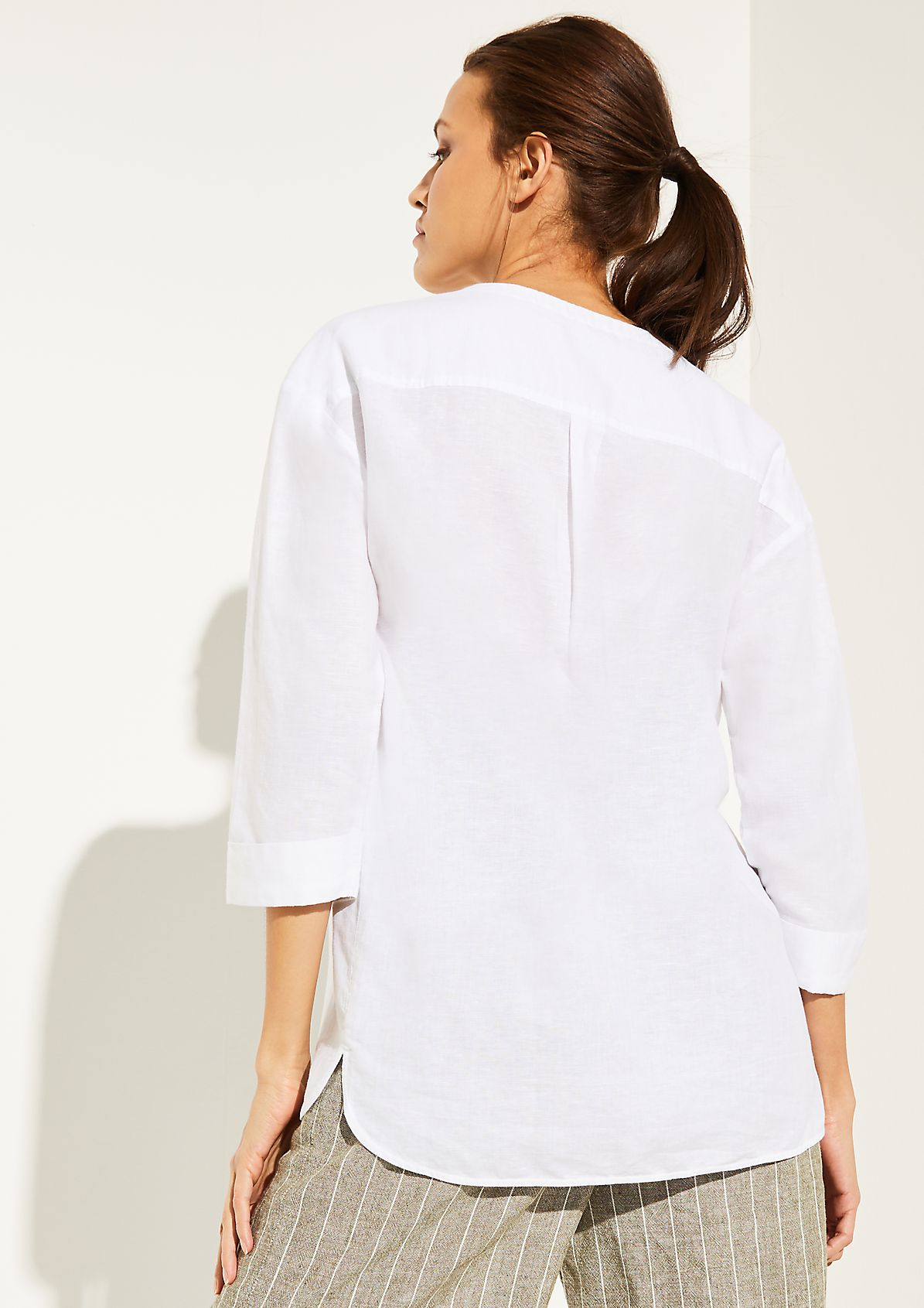 Lightweight blouse made of blended linen from comma