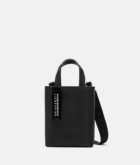kleine Handtasche aus Leder im DIN-Format
