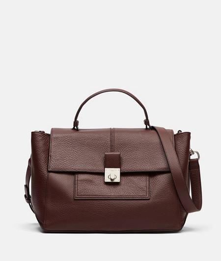 Handtasche im 70er Jahre Look