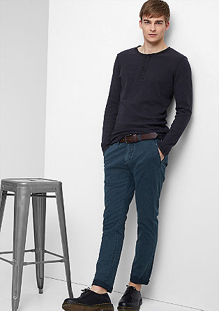 Chino Slim: chinos with a belt from s.Oliver
