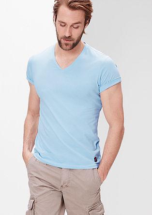 Schmales T-Shirt mit V-Ausschnitt