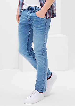 Close Slim: Farbstarke Jeans