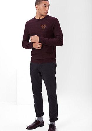Pleten pulover z vezenjem