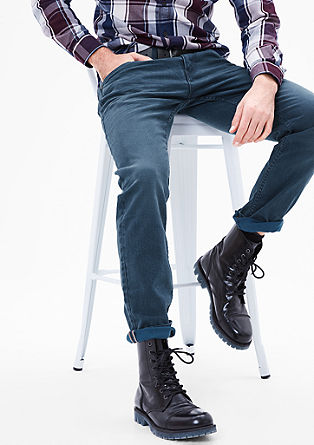 Close Slim: Colored Denim
