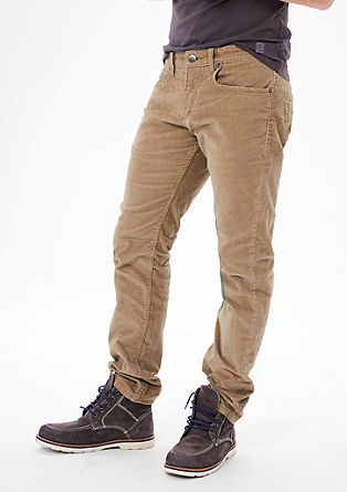 Close Slim: ultra stretchy corduroy trousers from s.Oliver