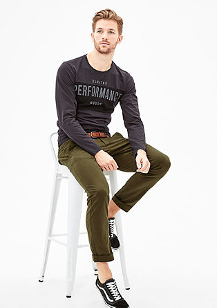 Sneck Slim: Coloured Chino mit Gürtel
