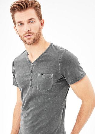 Henley-shirt met garment-washed effect