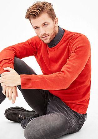 preprost pulover iz tanke pletenine