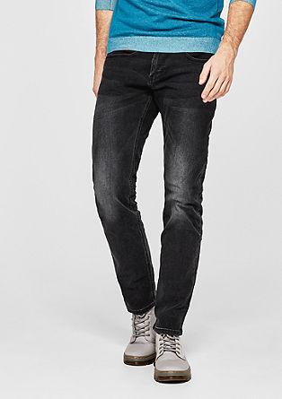 Stick slim: dark jeans