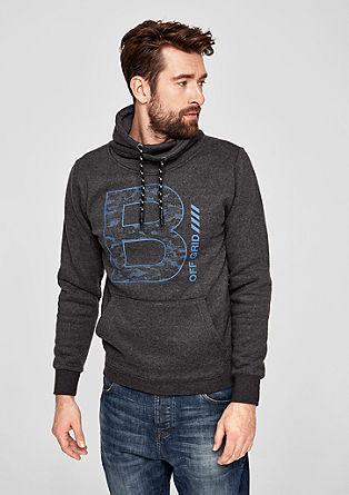 Lässiger Turtleneck-Sweater mit Print