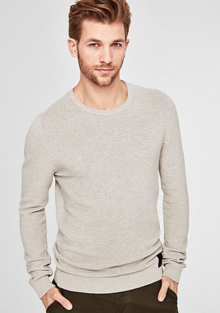Jumper with a ribbed textured pattern