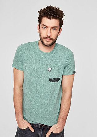 Slim: Tričko skulatým výstřihem a náprsní kapsou