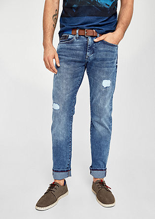 Close Slim: Jeans mit Destroyes