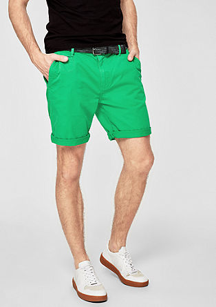 Plek Loose: garment-dyed chino shorts from s.Oliver