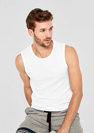 Unifarbenes Basic-Tanktop