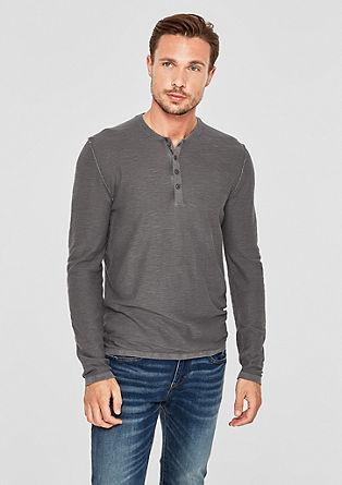Lahek pulover s posebnim učinkom barvnega pranja
