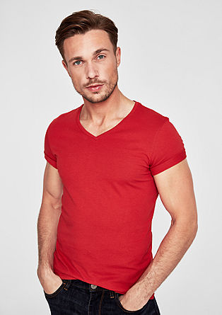Slim: Basic V-neck tee from s.Oliver