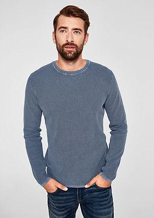 Pleten pulover s teksturo, spranega videza