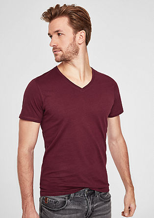 Slim: Basic top with a V-neckline from s.Oliver