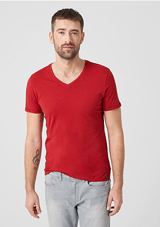 Slim: T-Shirt mit V-Ausschnitt