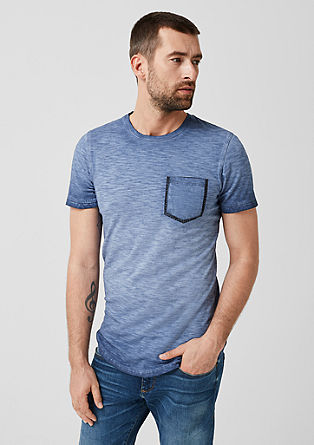 Slim: shirt van slubgaren met een borstzak