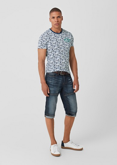 Slim: Jerseyshirt mit Tropical-Print