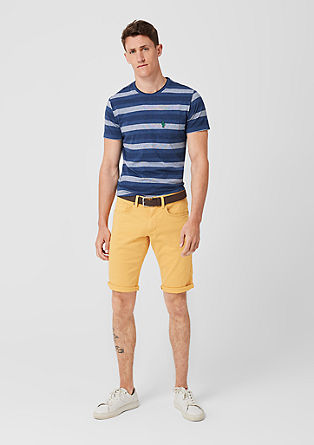 Close Slim: Bermuda shorts with a belt from s.Oliver