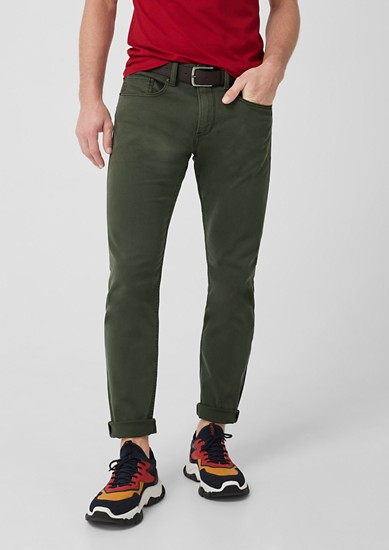 Close Slim: twill trousers with a belt from s.Oliver