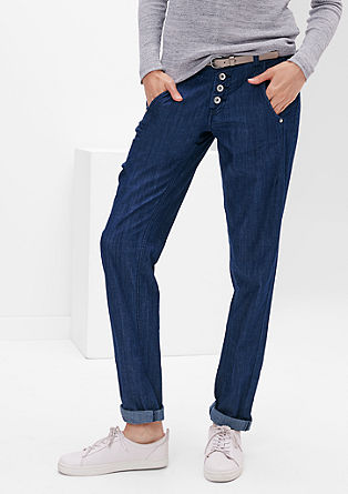 Smart Chino: jeans with a belt from s.Oliver