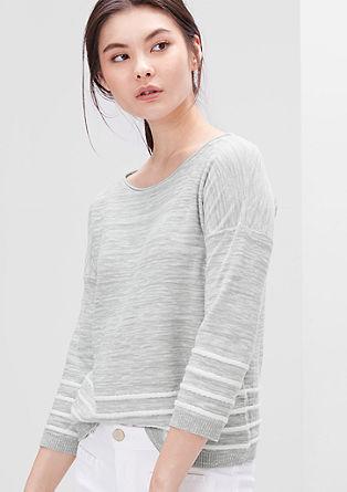 Krajši pleten pulover iz plamenaste preje
