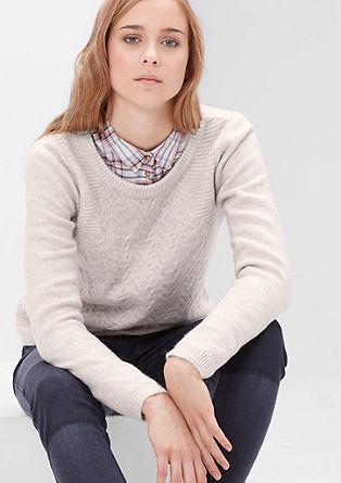 Flauschiger Zopfstrick-Pullover