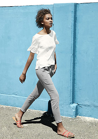 Chinos with a cropped leg from s.Oliver