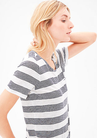 Striped top with a lot of linen from s.Oliver