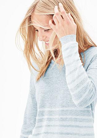 Gestreifter Pullover mit Leinen