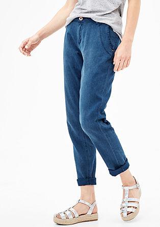 Smart Chino: jeans s teksturo