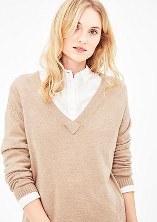 Gebreide trui met een lage hals