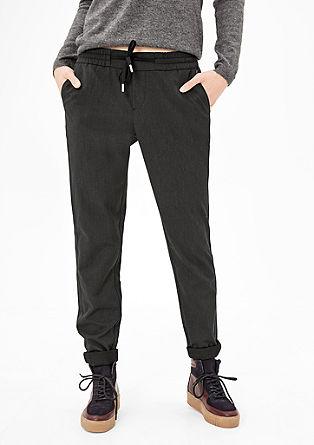 Smart Chino: hlače z detajlom v obliki črte