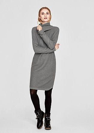 Geribde jurk met sjaalkraag