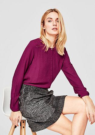 Lahka bluza z detajli v kovinski barvi