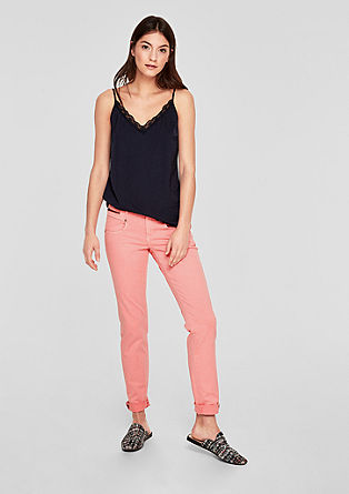 Shape slim: garment-dyed jeans