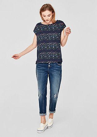 Půvabně ženské tričko skvětovaným vzorem