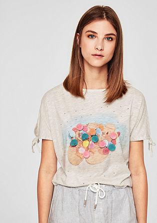 Majica z odprtimi rameni in cofi