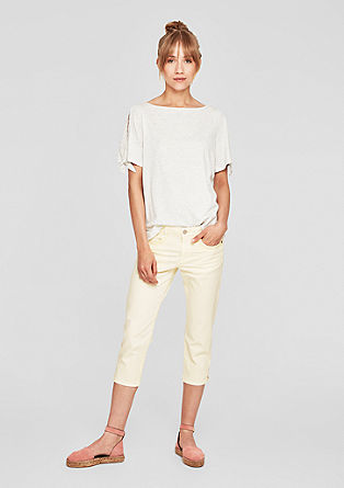Shape Capri: jeans hlače v zbledelem videzu