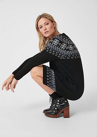 Pletené šaty snorským vzorem