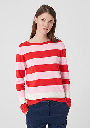 Lehký pulovr sširokými pruhy